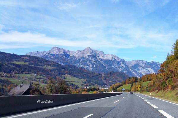 Perjalanan dari Hallein ke Salzburg.